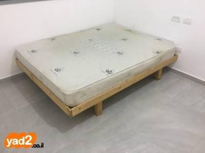 מסודר מיטת איקאה נמכרת עקב מעבר ריהוט מיטות מיטה זוגית יד שניה - ad KA-54