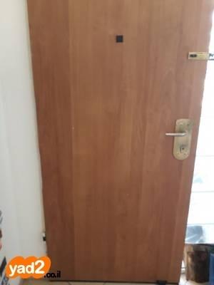ברצינות דלת כניסה רב בריח פתיחה ריהוט דלתות יד שניה - ad CD-15